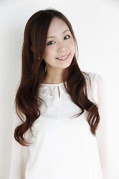 ファッションモデルの松岡日菜さん